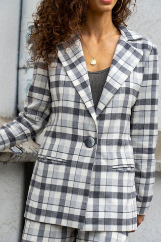 Classic Tailored Lima Jacket with Two Pockets