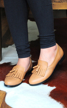 Faisal Brown Loafers With Top And Twin Tassels by SEIRA ELVES on OOSTOR.com