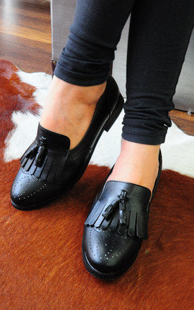 Faisal Black Loafers With Top And Twin Tassels by SEIRA ELVES on OOSTOR.com