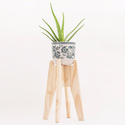 Modern Handmade Wooden Planter Stand by Oitenta on OOSTOR.com