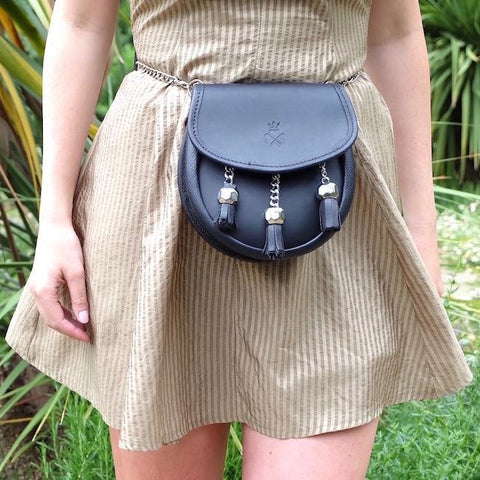 The 1834 Black Leather Bag by Nixey on OOSTOR.com
