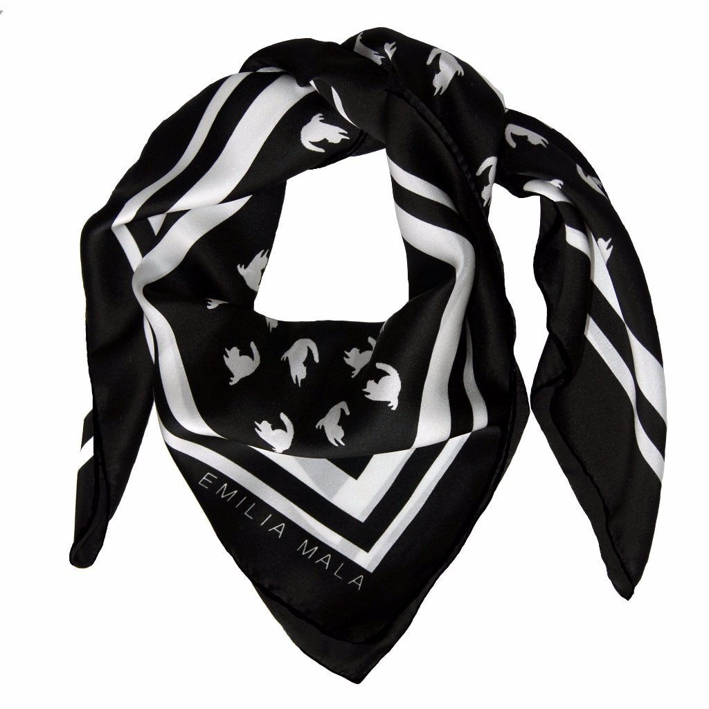Emma Scarf Black/White by Emilia Mala on OOSTOR.com