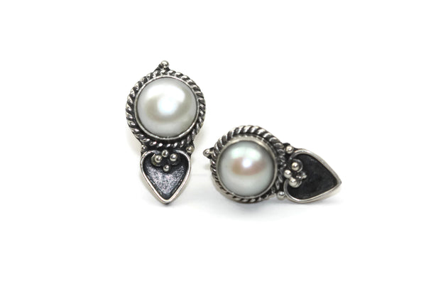 Handmade 925 Sterling Silver Pearl with Antique Spade Stud Earrings