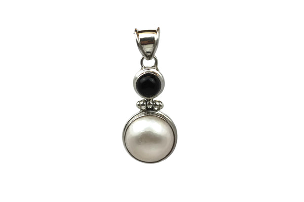 Handmade 925 Sterling Silver Pendant with Black Onyx and Natural White Saltwater Pearl