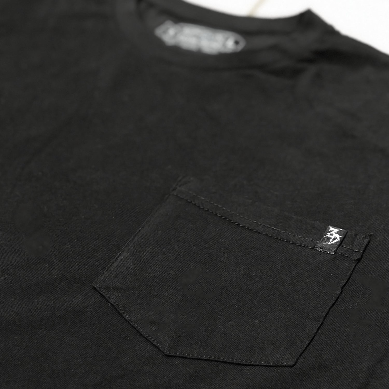 ZD - Zee - Black Pocket Tee
