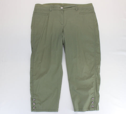 Chico's Olive Capri Pants Chico's Size 3 - Around Again Inc