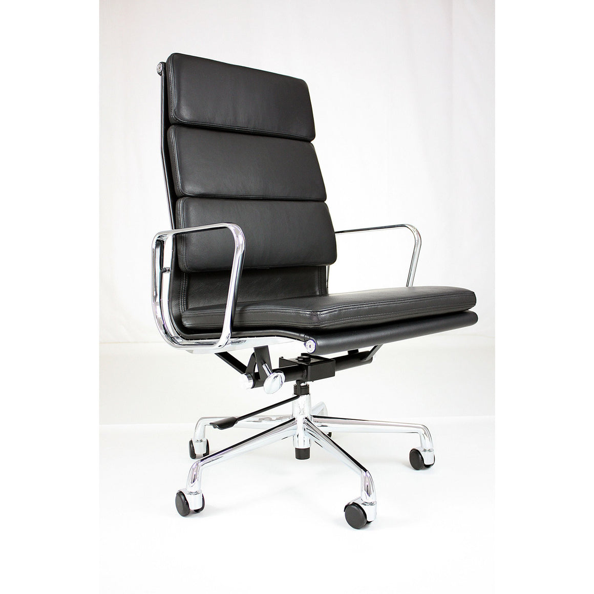 Emfurn Soft Pad Executive Chair , EMFURN - 1