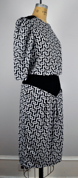 Vintage Geometric Dropwaist Black and White Dress