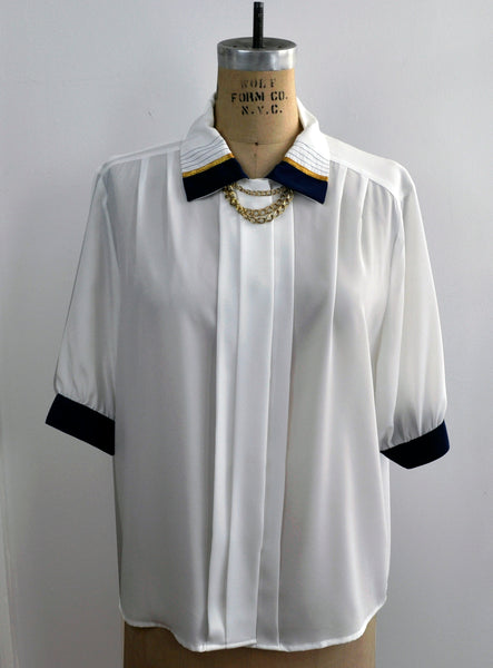 Vintage Jordan Tipped Short Sleeve Blouse Collar Chain Pin