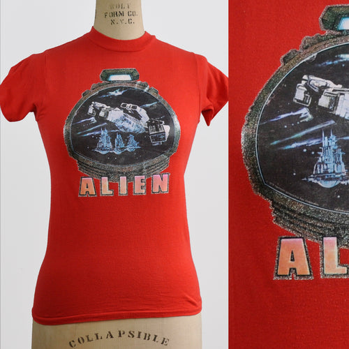 Vintage 1979 Red Alien Movie Ridley Scott Iron-on SciFi T-Shirt