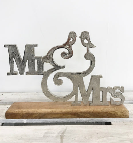 Mr & Mrs Free Standing Decoration - perfect for Valentine's Day, Weddings and Anniversaries
