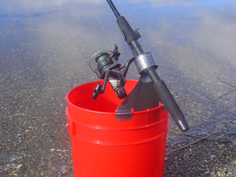 Gripper Bucket Pole Mount Holder (For 5 Gallon Bucket)