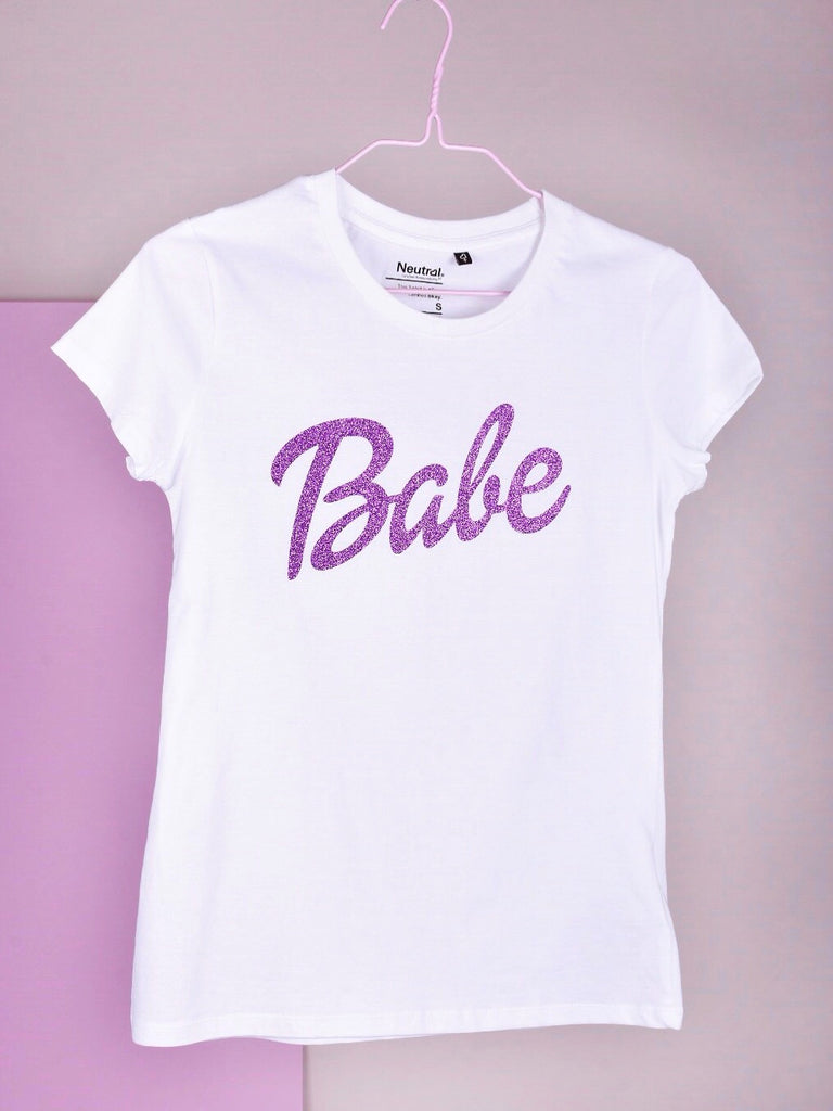 BABE TEE WHITE, w/ LAVENDER. Summer sale orders will be shipped within 5 working days.