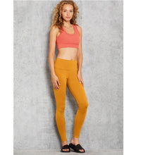 Load image into Gallery viewer, Alo Yoga XS High-Waist Airbrush Legging - Bronzed