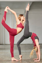 Load image into Gallery viewer, Alo Yoga Entwine Legging - Red Velvet