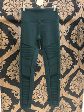 Load image into Gallery viewer, Alo Yoga XS Flocked High-Waist Moto Legging - Forest