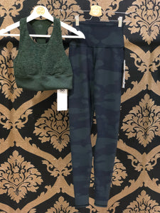 Alo Yoga XS High-Waist Camo Vapor Legging - Hunter Camouflage