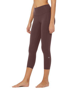 Alo Yoga High-Waist Airbrush Capri - Raisin