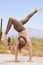 Load image into Gallery viewer, Alo Yoga SMALL High-Waist Airlift Legging - Coco