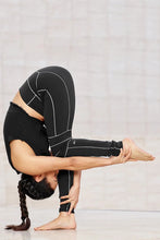 Load image into Gallery viewer, Alo Yoga XXS High-Waist Endurance Legging - Black