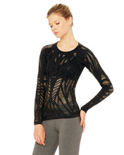 Load image into Gallery viewer, Alo Yoga MEDIUM Wanderer Long Sleeve - Black