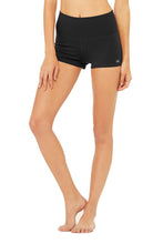 Load image into Gallery viewer, Alo Yoga XS Aura Short - Black