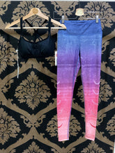 Load image into Gallery viewer, Manduka SMALL Legging - Gradient Moon