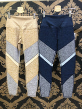 Load image into Gallery viewer, Alo Yoga SMALL 7/8 High-Waist Alosoft Sheila Legging - Caramel Heather/Gravel Heather/Putty