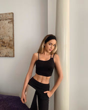 Load image into Gallery viewer, Alo Yoga MEDIUM Offset Bralette - Black