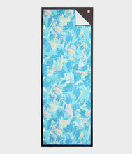 Load image into Gallery viewer, Manduka Yogitoes® Yoga Mat Towel - Tropics Blue