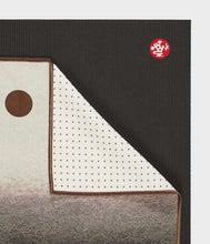 Load image into Gallery viewer, Manduka Yogitoes® Yoga Mat Towel - Earth