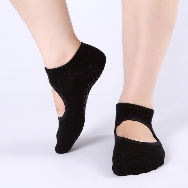 Anti Skid and Breathable socks for yoga and gym