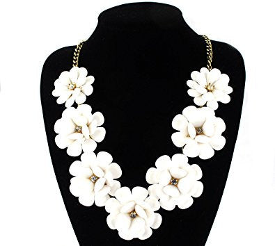 7 White Flowers Golden Chain Fashion Necklace