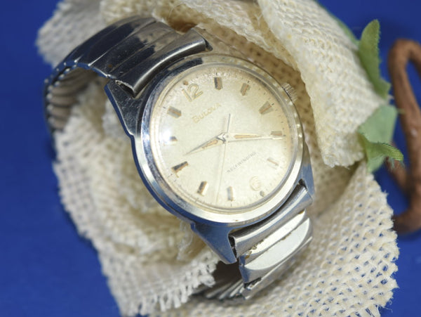 Vintage Bulova Mens Wrist Watch Water Proof Shock Resistent - ChaseyBlueVintage