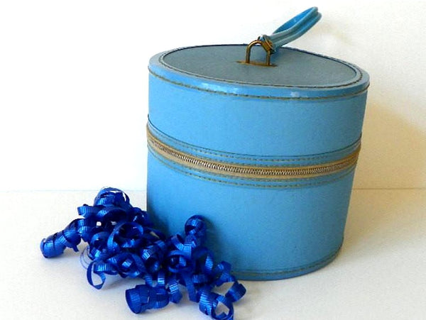 Vintage Wig Hat Case Blue Vinyl with Zipper Closure and Swivel Wrist Handle - ChaseyBlueVintage