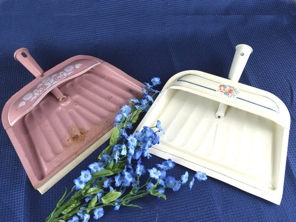 Retro Metal Dustpans in Cream and Pink Cottage Farmhouse Wall Decor - Chaseybluevintage