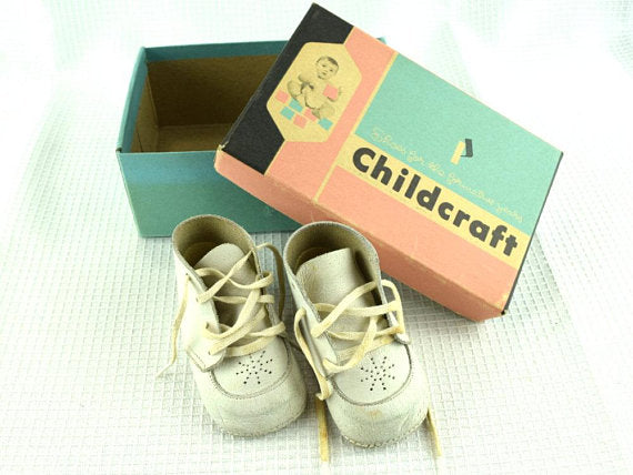 Vintage Baby Shoes Soft Sole White Leather with Original Box - ChaseyBlueVintage