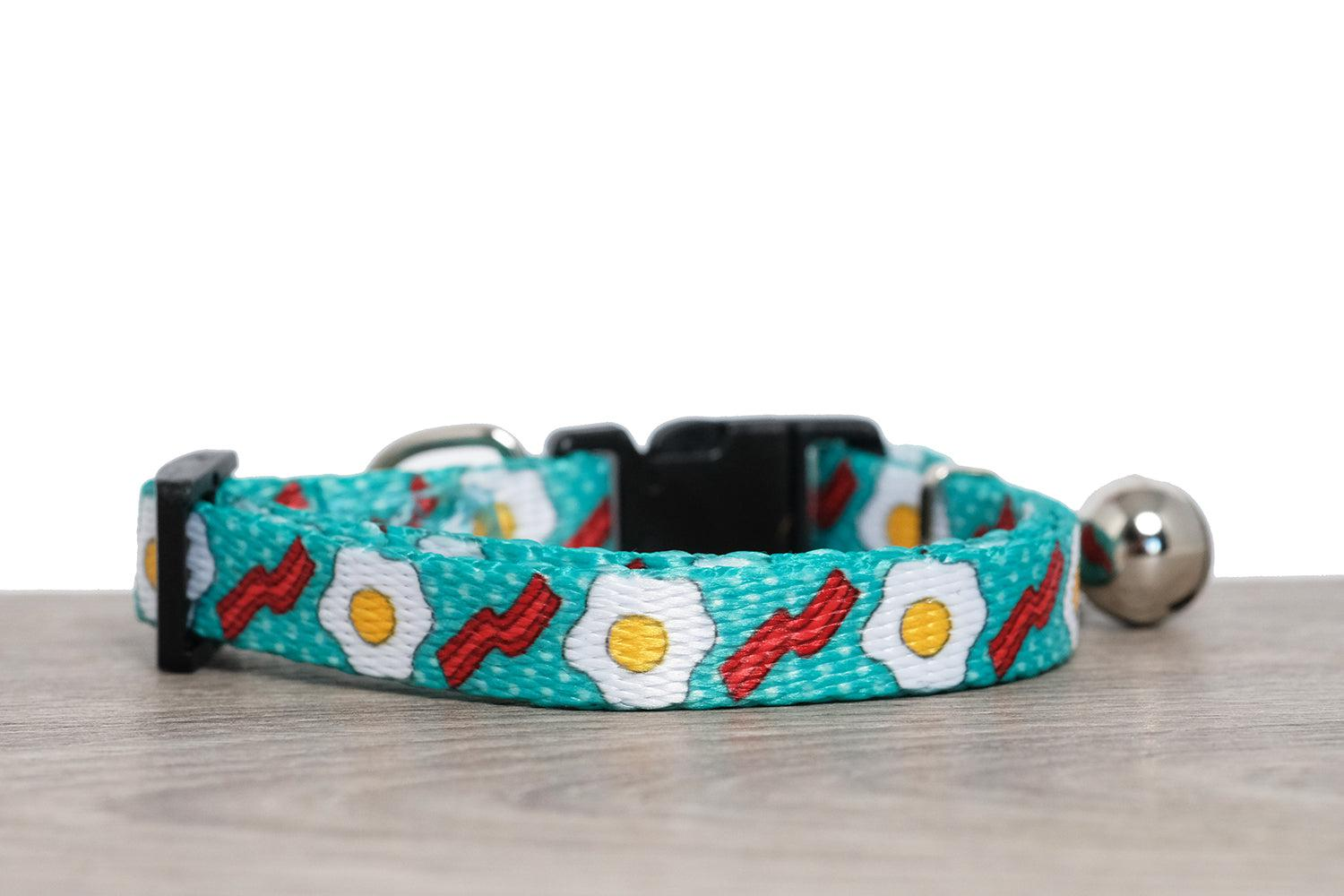 cat collar australia, bacon and eggs cat collar, cute cat collar featuring bacon and eggs print, cat collars Australia