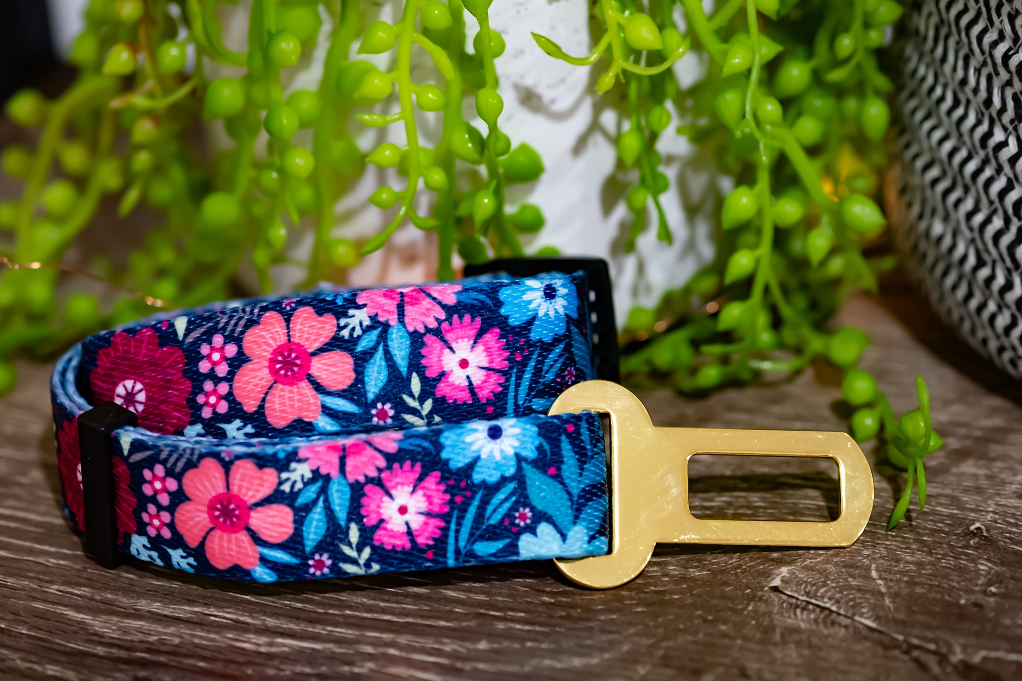 Dog Seatbelt - Burgundy Floral