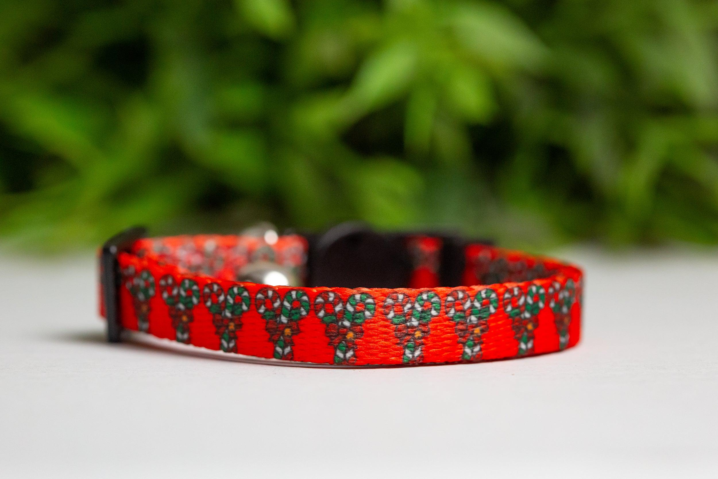 Candy Cane Wishes & Mistletoe Kisses Cat Collar / Toy Breed Dog Collar-Dizzy Dog Collars