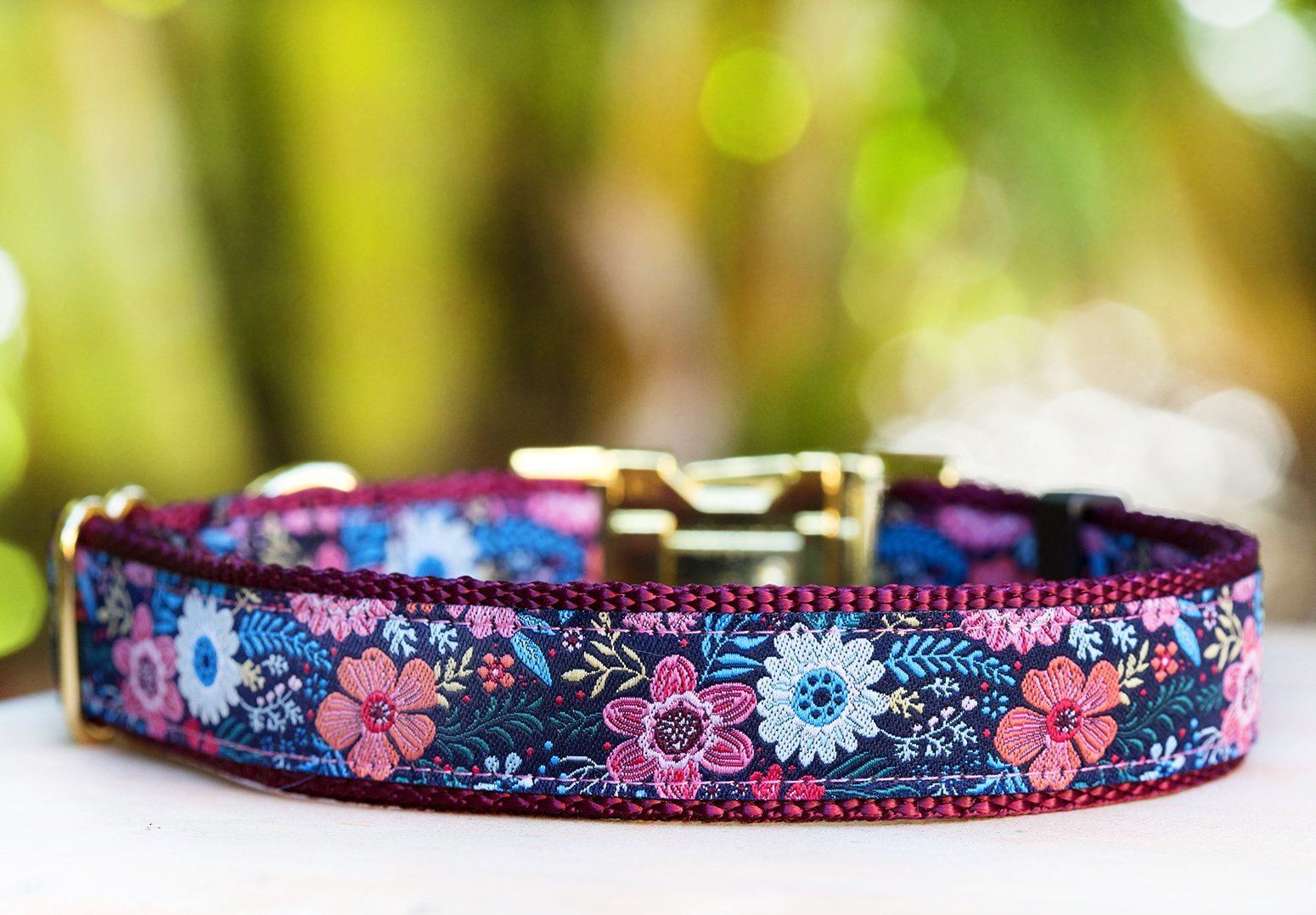 beautiful burgundy floral dog collar that is suitable for big and little dogs. This cute dog collar is great for boys and girls, and is very stylish