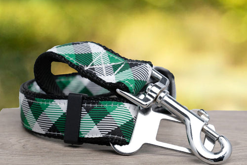 Dog Car Seatbelt / Dog Car Restraint Tether - Green Plaid (Nylon) (Handmade to order)