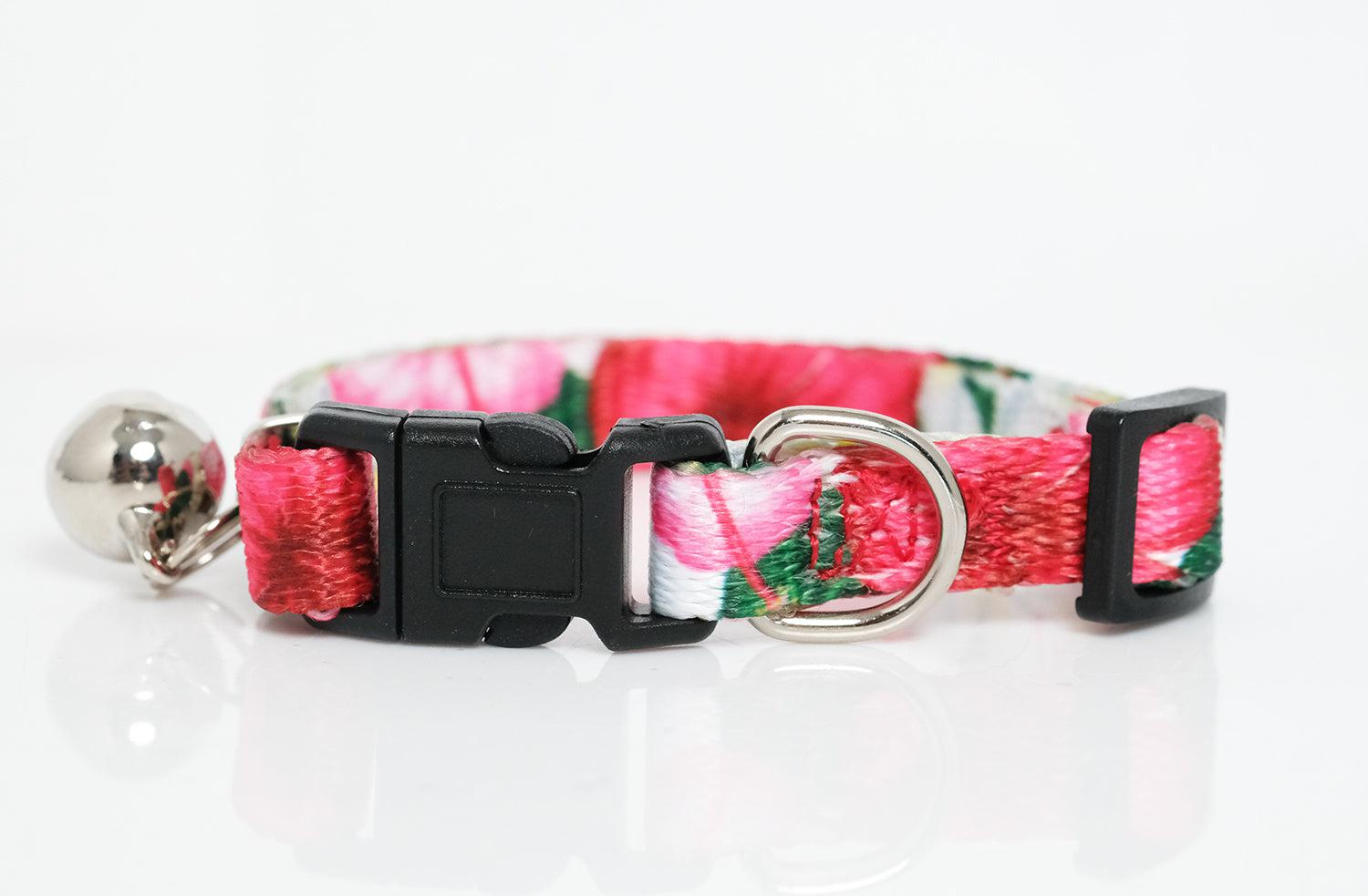 cat collar australia, floral cat collar, this beautiful floral cat collar features hibiscus and frangipani flowers, by Dizzy Dog Collars Australia
