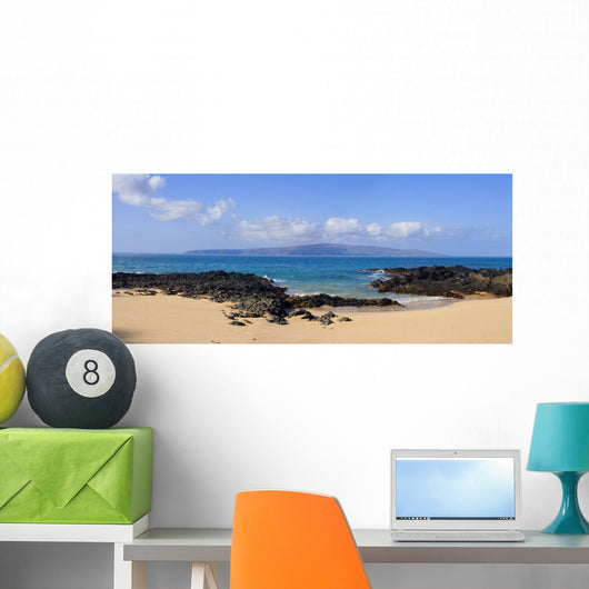 USA, Hawaii, Wai Beach with Kahoolawe in background Wall Mural