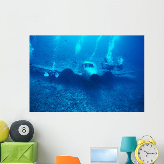 Hawaii, Oahu, Airplane Wreck Off Waianae Coast, Divers Wall Mural