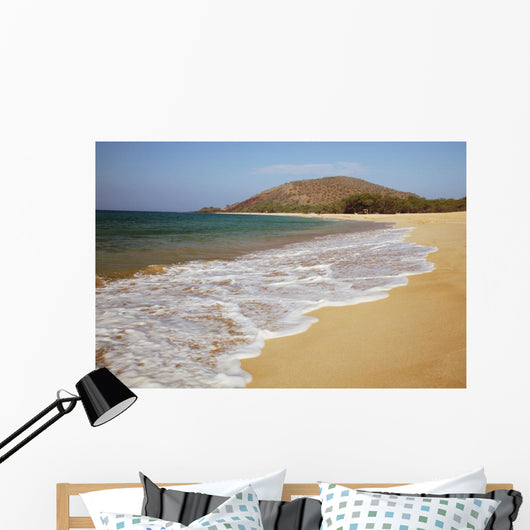Hawaii, Maui, Makena, Big Beach on a sunny day Wall Mural