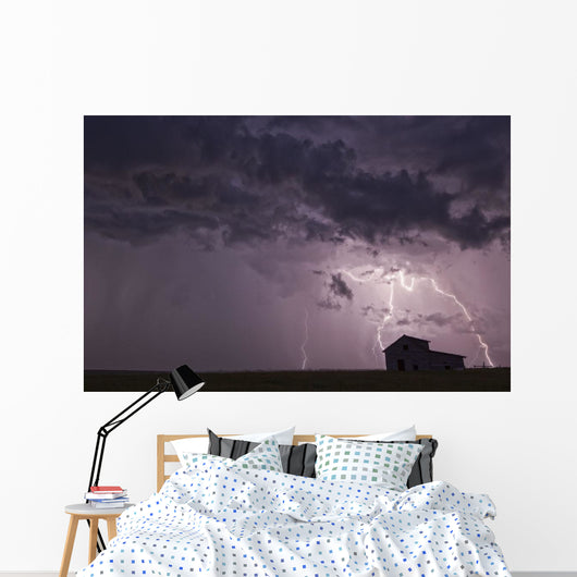 Lightning strikes Wall Mural