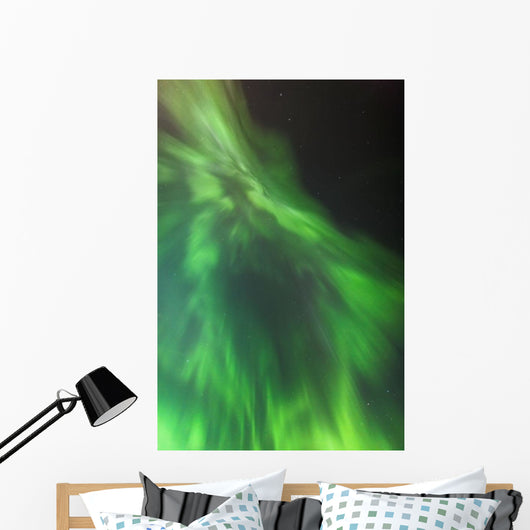 A green northern lights corona Wall Mural