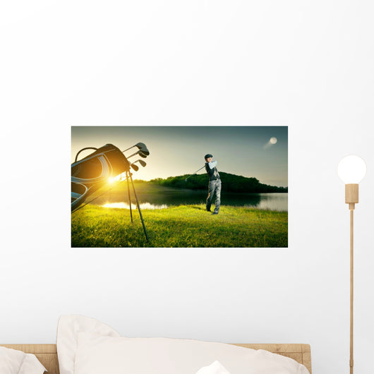 Golf Golfer Makes Strong Wall Decal
