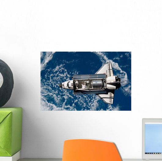 Space Shuttle Discovery Wall Decal Design 1